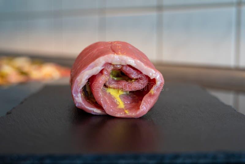 Het verse vlees het ruwe Duits van het rolladerundvlees royalty-vrije stock foto