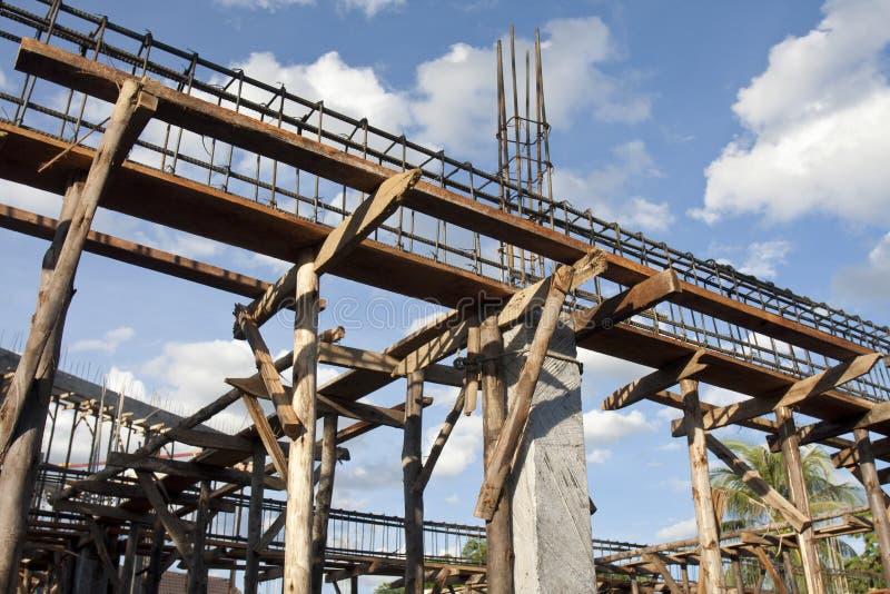 Het versterken van staalstaven op steunen voor de bouw royalty-vrije stock foto's