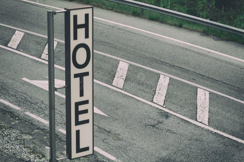 Het verticale teken van het weghotel royalty-vrije stock afbeeldingen