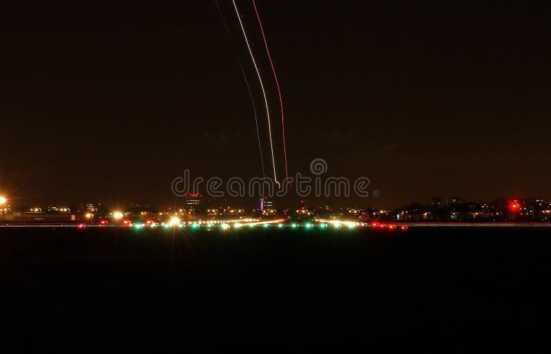 Het vertrek van het vliegtuig stock foto's