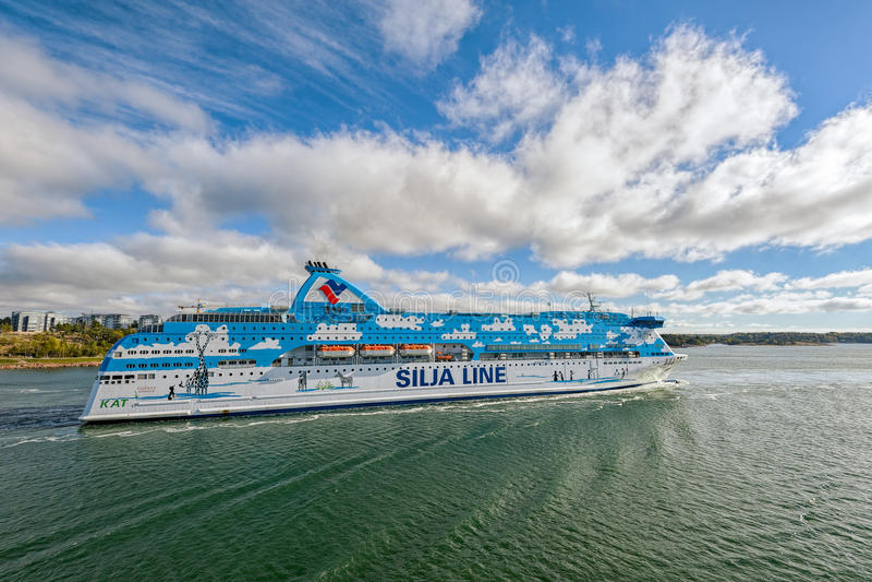 Het vertrek van Silja Galaxy van het veerbootschip van Mariehamn stock afbeeldingen