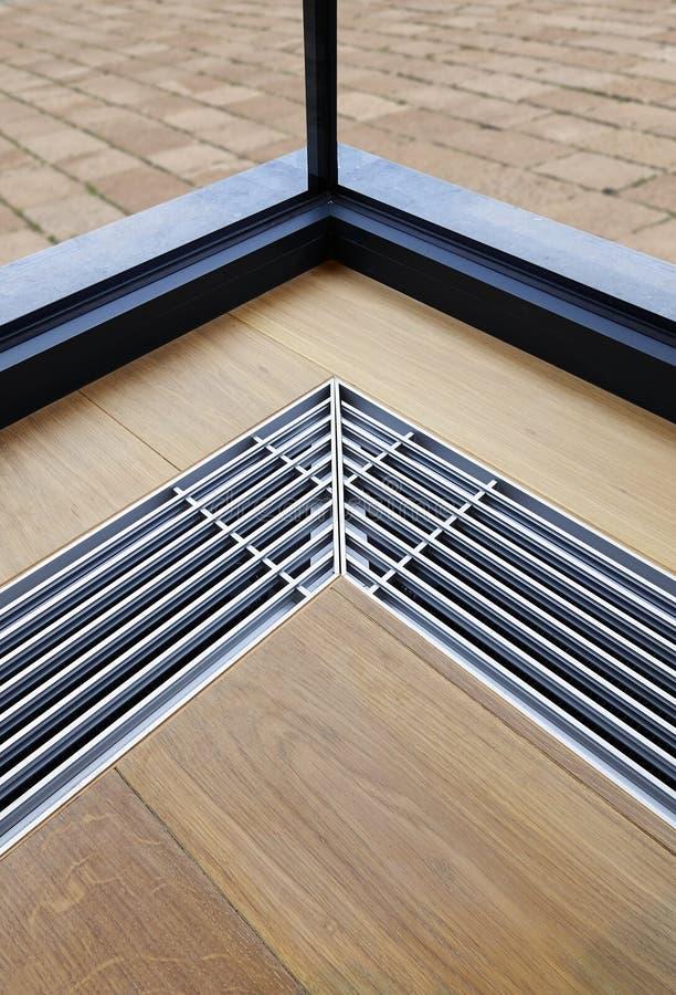 Het verwarmen net met ventilatie door de vloer royalty-vrije stock foto