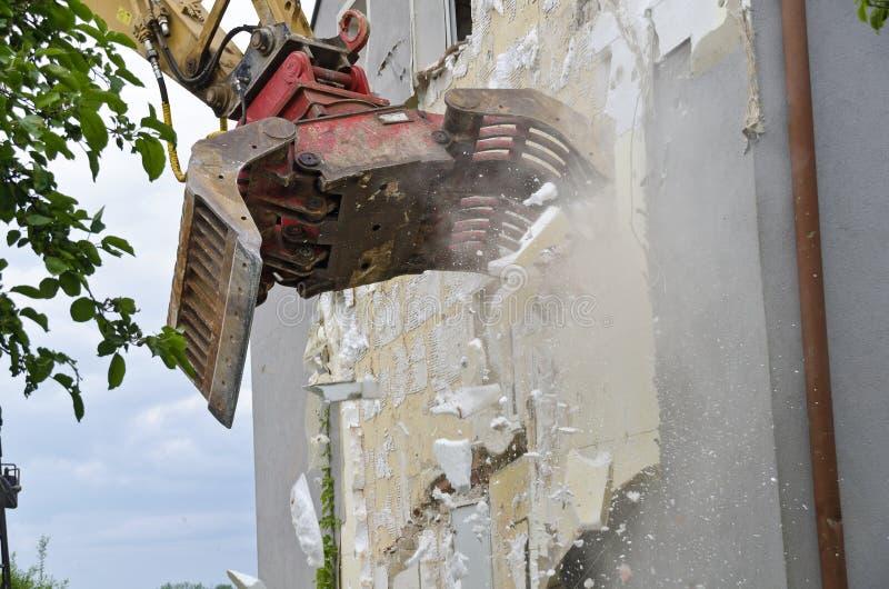 Het verwijderen van thermische isolatie stock fotografie