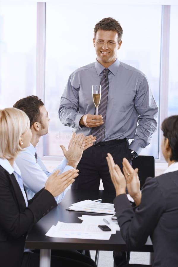 Het vieren van Businesspeople succes royalty-vrije stock foto