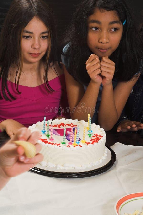 Het vieren van de tiener verjaardag stock afbeelding