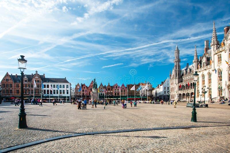 Het Vierkant van de markt in Brugge royalty-vrije stock foto