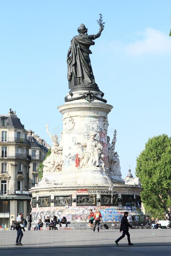 Het vierkant van de republiek in Parijs stock foto's