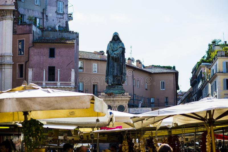 Het vierkant van deifiori van Italië, Rome, Campo, marktdag royalty-vrije stock foto's