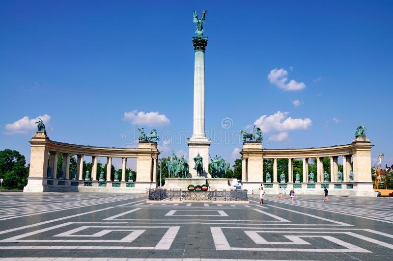 Het Vierkant van helden, Boedapest stock afbeeldingen