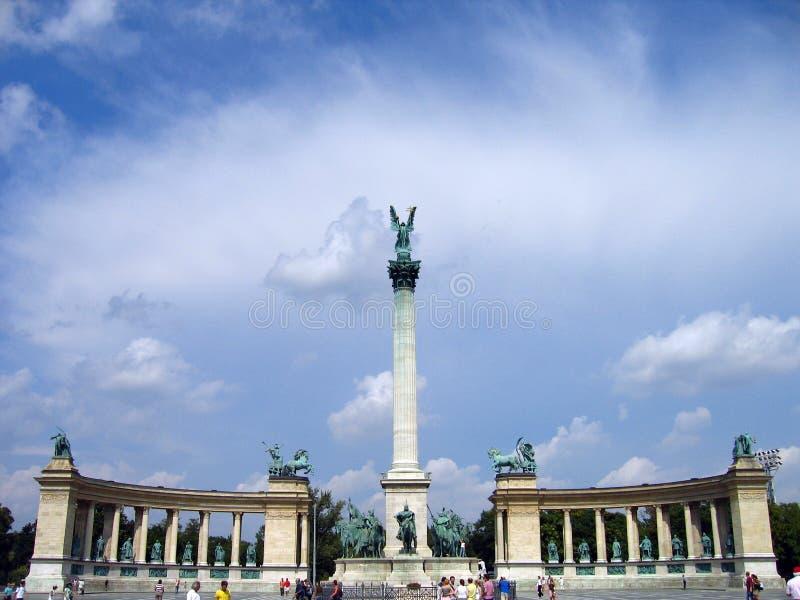 Het Vierkant van helden - Boedapest, Hongarije stock foto's