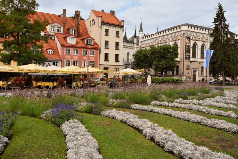 Het vierkant van Livulaukums in Riga, hoofdstad in Letland royalty-vrije stock afbeeldingen