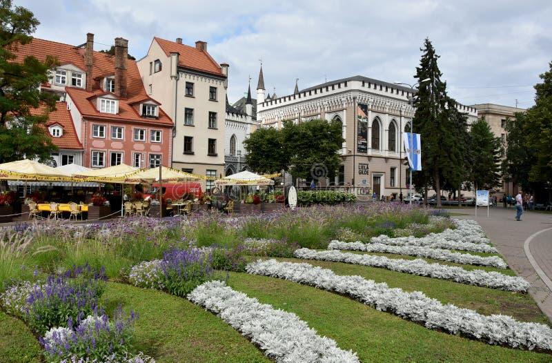 Het vierkant van Livulaukums in Riga, hoofdstad in Letland stock foto's