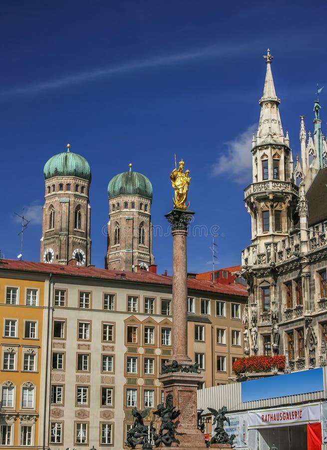 Het vierkant van Marienplatz in München Duitsland royalty-vrije stock foto's