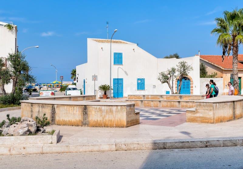 Het vierkant van Marinella van San Vito Lo Capo, de meeste beroemde toeristische bestemmingen van Sicilië royalty-vrije stock afbeeldingen