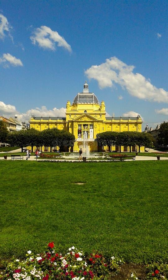 Het vierkant van Tomislav van de koning in Zagreb stock afbeeldingen