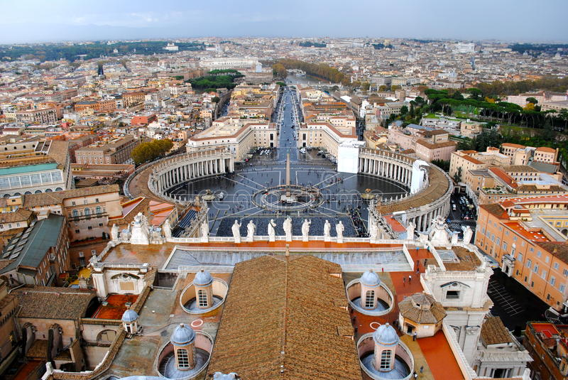 Het Vierkant van Vatikaan en St Peter stock afbeeldingen