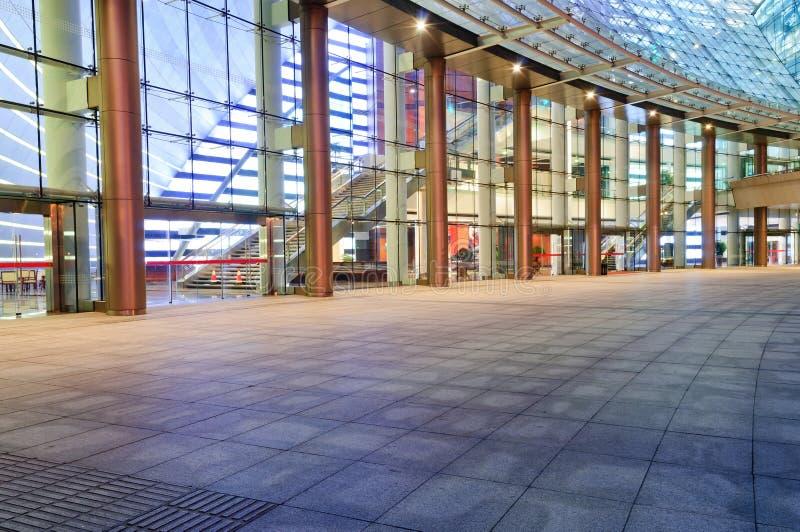 Het vierkant voor de moderne architectuur royalty-vrije stock afbeeldingen