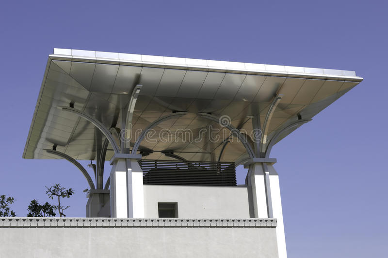 Het vlakke dak van het roestvrij staal stock afbeelding