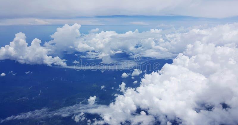 Het vliegen binnen aan Haven Moresby Papoea-Nieuw-Guinea stock afbeelding