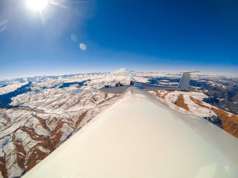 Het vliegen in een zweefvliegtuig stock fotografie