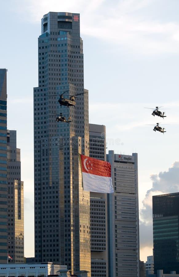 Het vliegen van de Vlag in de Stad royalty-vrije stock afbeeldingen