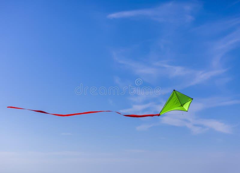 Het vliegen van de vlieger stock fotografie