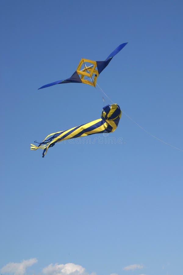 Het Vliegen van de vlieger stock foto's