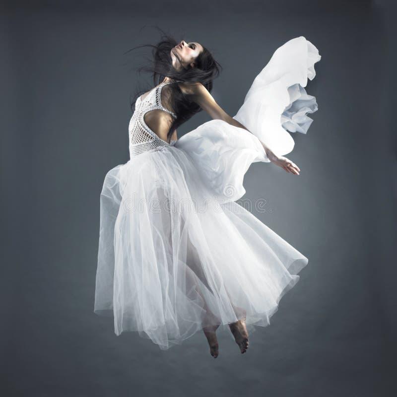 Het vliegende meisje van de fee royalty-vrije stock afbeeldingen