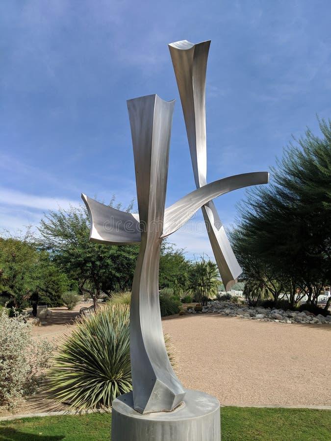 Het vliegende Standbeeld van het Vliegersroestvrije staal royalty-vrije stock afbeelding