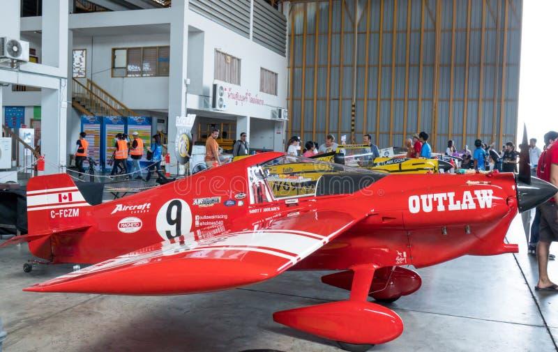 Het vliegtuig nr van Scott Holmess ` s 9 `-Ballings` vliegtuigen modelleren Cassutt IIIM in Luchtras 1 Wereldbeker Thailand 2017  stock foto