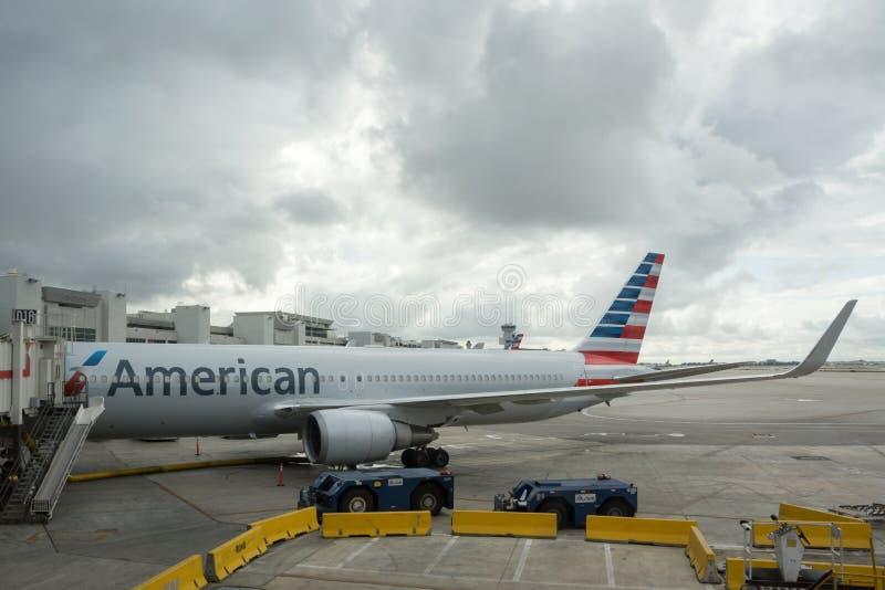 Het Vliegtuig van American Airlines stock foto