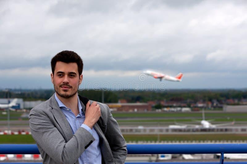 Het vliegtuig van de bedrijfsmensenluchthaven stock foto's