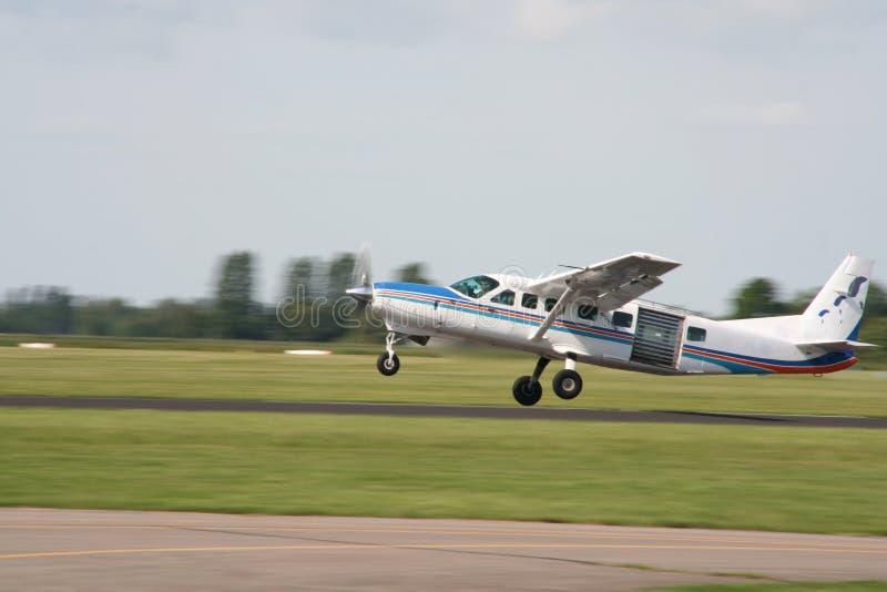 Het Vliegtuig van het valscherm stock foto's