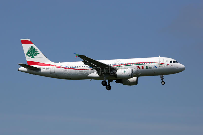 Het vliegtuig van Middle East Airlines MEA Airbus A320 royalty-vrije stock foto