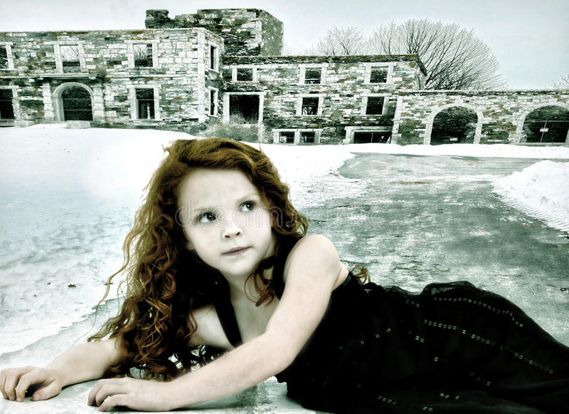 Het vluchteling Verloren Conceptuele Beeld van het Kind van het Meisje stock foto