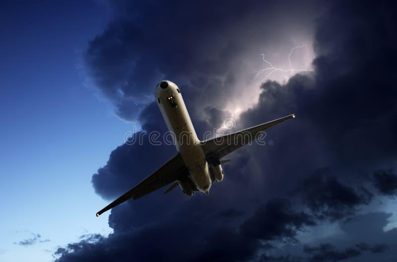 Het vluchten van het onweer stock afbeeldingen