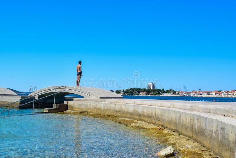 Het Vodice-strand, Kroatië stock afbeelding