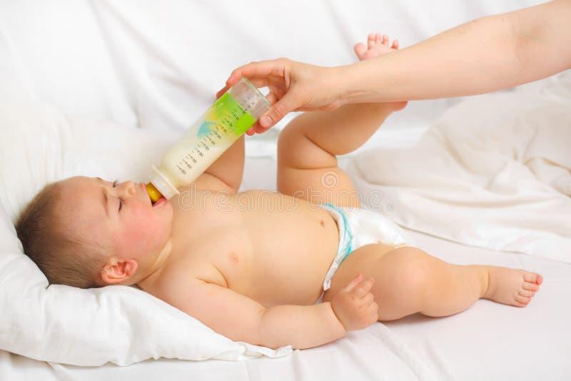 Het voeden van de baby royalty-vrije stock foto
