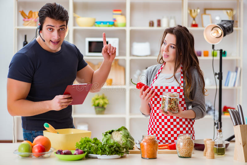 Het voedsel die TV koken toont in de studio royalty-vrije stock afbeelding