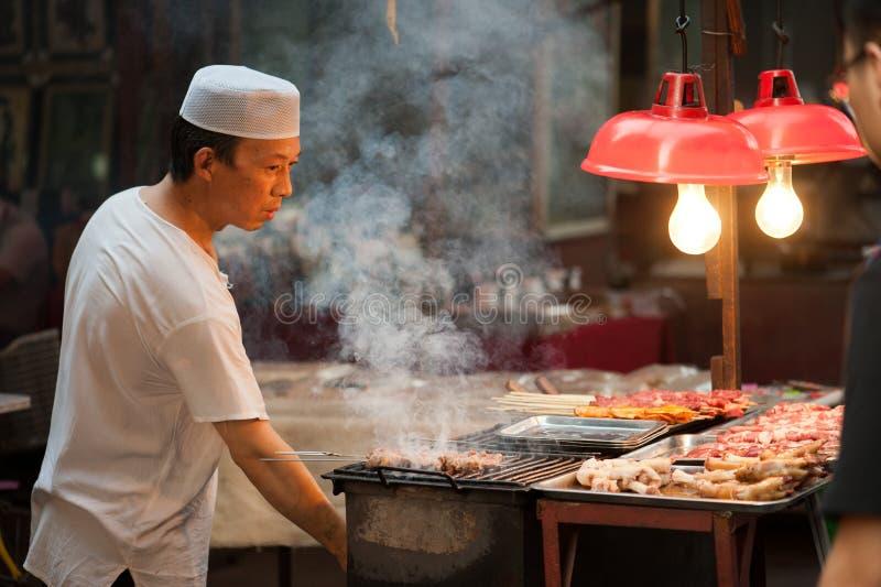 Het voedsel van de straat bij MoslimStraat in Xian stock afbeeldingen