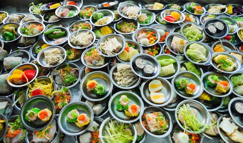 Het voedsel van het buffet op de lijst stock foto