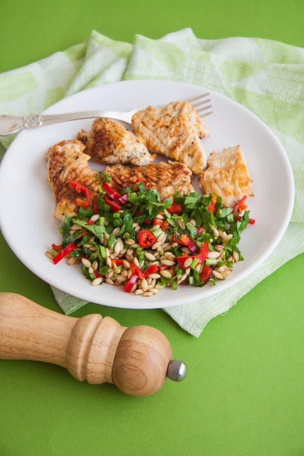 Het voedsel van het sportdieet: kippenfilet stock fotografie
