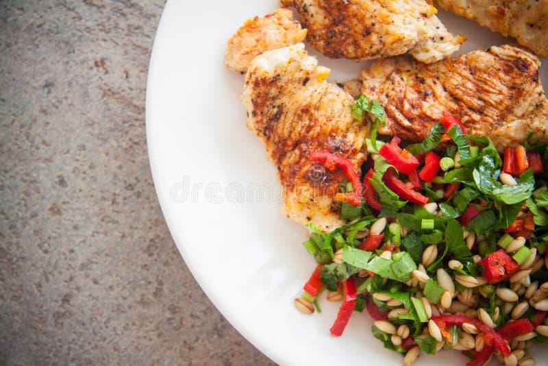 Het voedsel van het sportdieet: kippenfilet stock foto