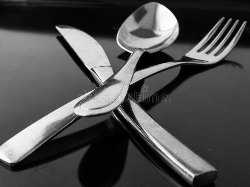 Het voedsel van het het messenbestek van de lepelvork stock afbeelding