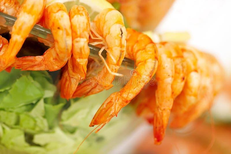 Het voedsel van vissen stock afbeeldingen
