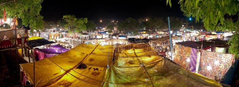 Het voedselmarkt van Ingo ` s in Goa, India bij nacht royalty-vrije stock foto's