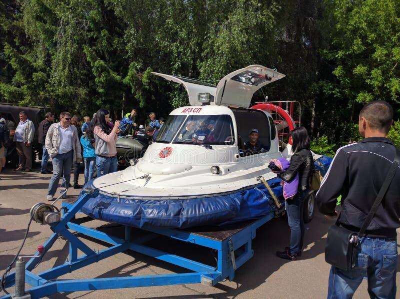 Het voertuig van de legeroekraïne stock afbeelding