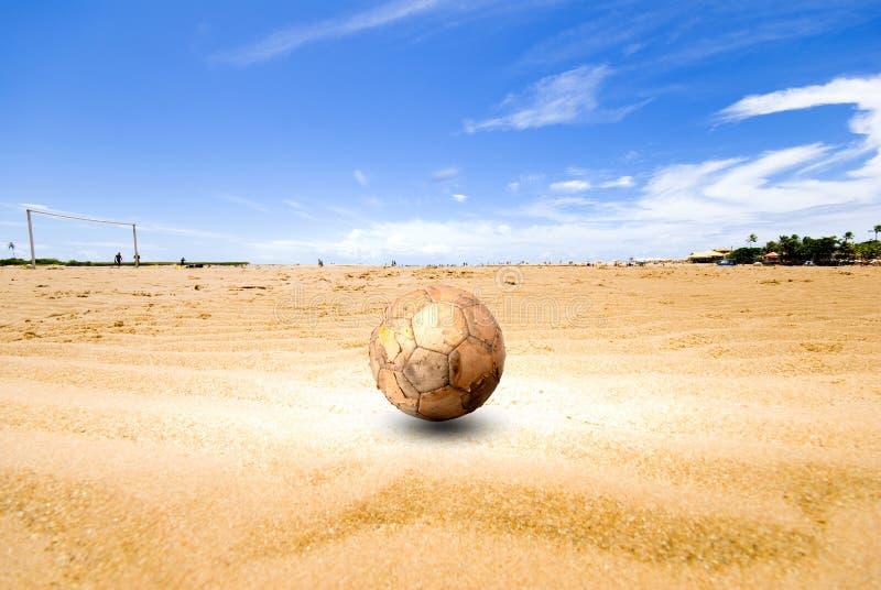 Het Voetbal van het strand royalty-vrije stock afbeeldingen