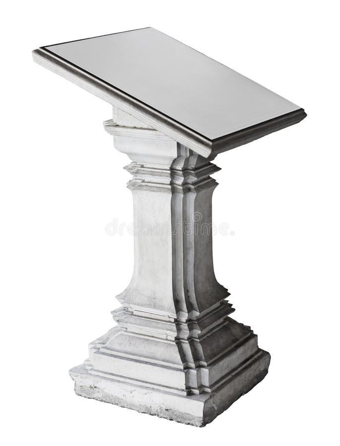 Het voetstuk van de steen over wit wordt geïsoleerdl dat royalty-vrije stock afbeeldingen