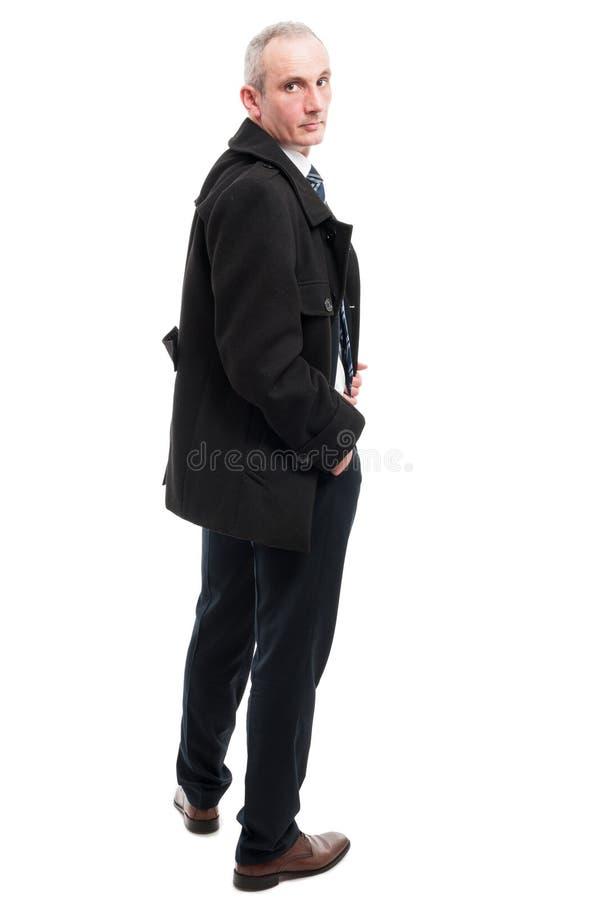 Het volledige lichaam van het elegante mens stellen met dient zak in royalty-vrije stock foto's